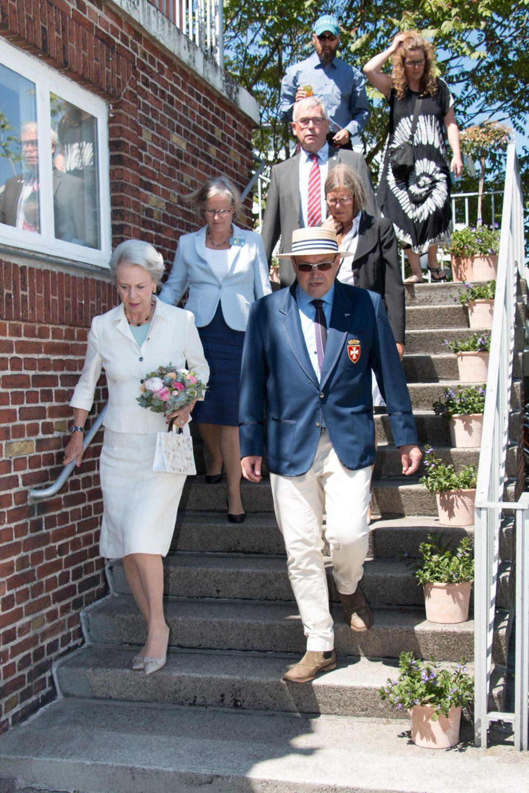 HKH Prinsesse Benedikte ankommer
